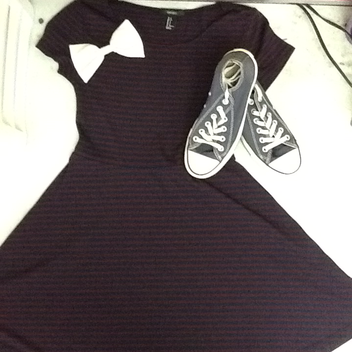 37a82e633269 The bow is from Forever 21. The dress is from Forever 21. The shoes are  from the Converse store